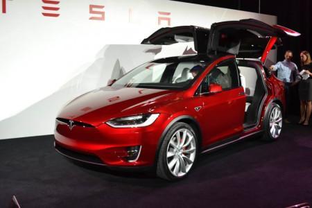 Tesla Model X на официальной презентации