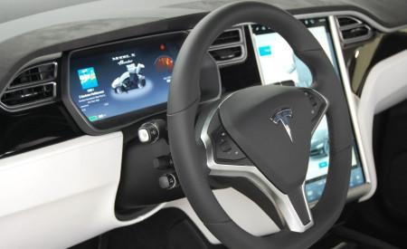 Tesla Model X - салон