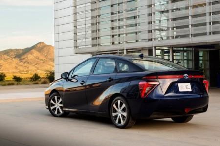 Toyota Mirai на водороде