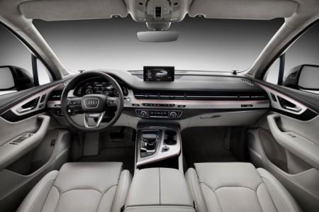 Audi Q7 2 поколения салон