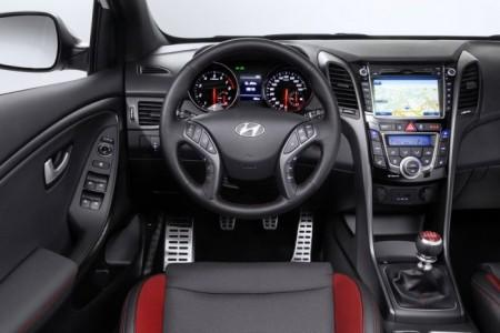 Hyundai i30 Turbo салон
