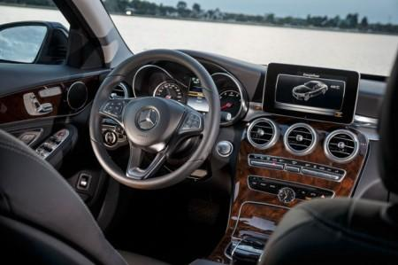 Mercedes C350 Plug-in-Hybrid салон