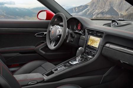 Porsche 911 Targa 4 GTS салон
