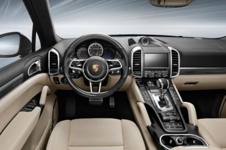 Porsche Cayenne Turbo S 2016 салон