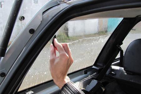 вымыть стекла перед тонировкой