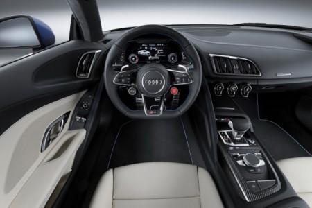 Audi R8 2 салон