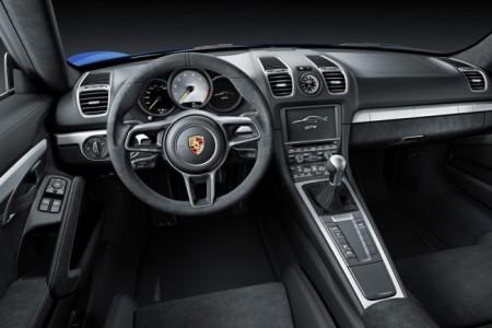 Porsche Cayman GT4 салон