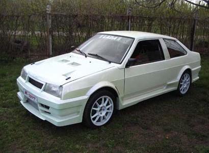 тюнинг ВАЗ 21099 белое купе