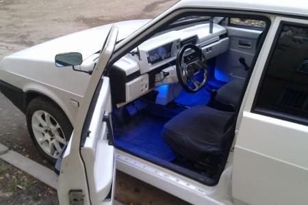тюнинг ВАЗ 21099 салон с подсветкой