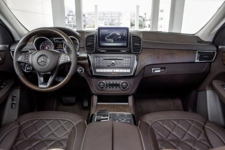 Mercedes GLE салон