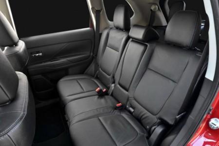 Mitsubishi Outlander 2015 интерьер