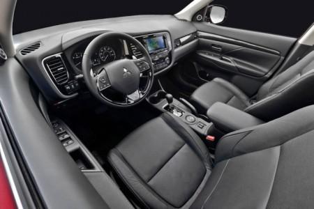 Mitsubishi Outlander 3 салон