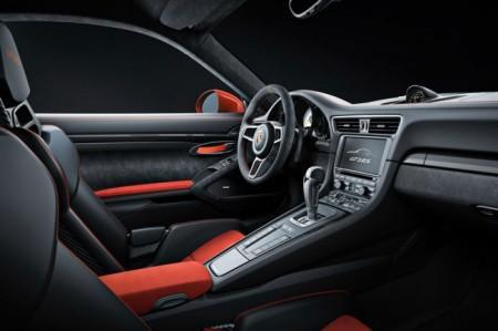 Porsche 911 GT3 RS салон