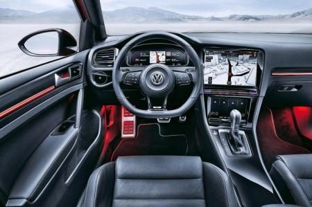 Volkswagen Golf 8 салон