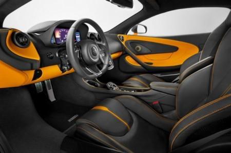 McLaren 570S салон