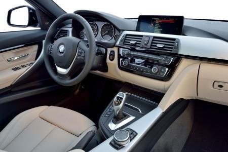 BMW 3-Series 2016 салон