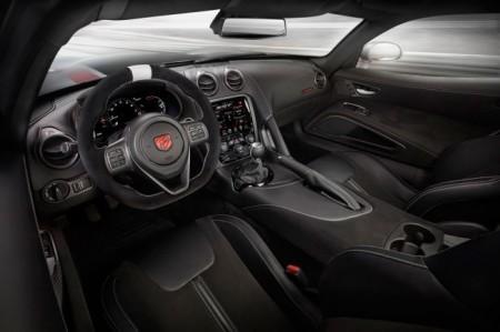 Dodge Viper ACR салон