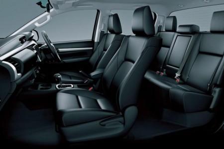 Toyota Hilux 8 интерьер
