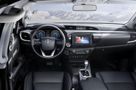 Toyota Hilux 8 салон