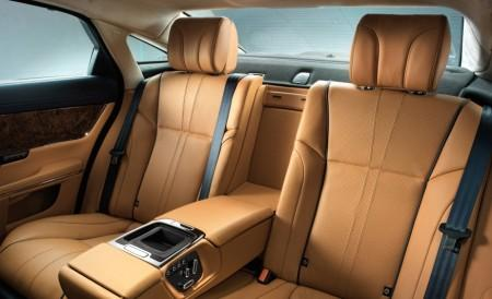 Jaguar XJ 2016 - задние сиденья