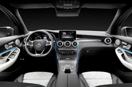 Mercedes GLC - салон