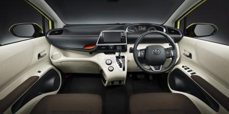 салон Toyota Sienta Hybrid G