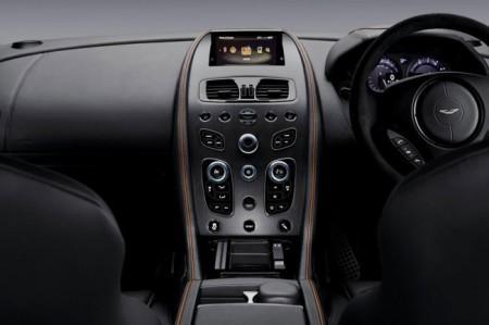 Aston Martin DB9 GT - салон