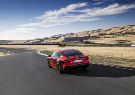 Audi RS7 без водителя