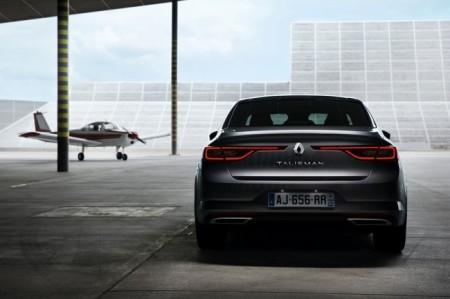 Renault Talisman - вид сзади