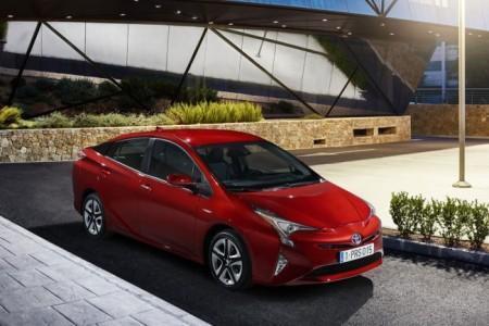 Toyota Prius 2016-2017 модельного года