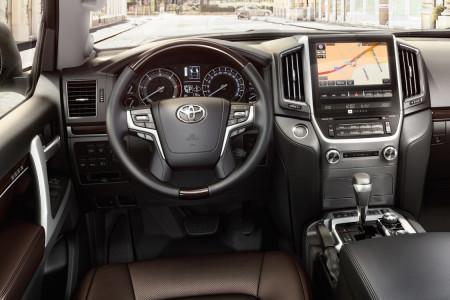 Тойота Лэнд Крузер 200 2016 - передняя панель
