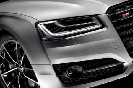 матричная оптика Audi S8 plus