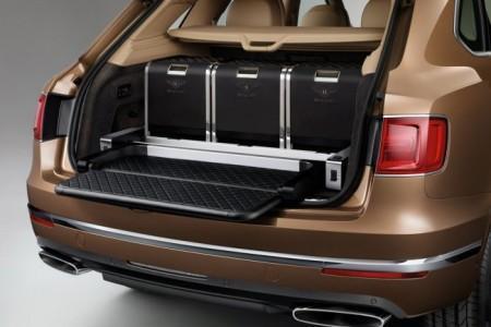 Bentley Bentayga - оформление багажника внедорожника