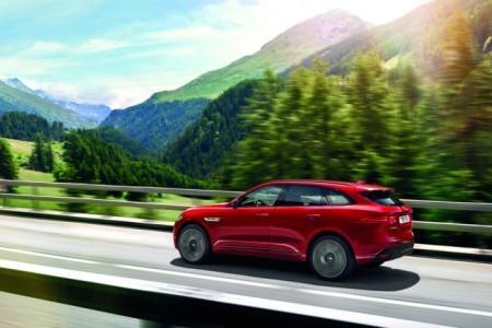 кроссовер Jaguar F-Pace