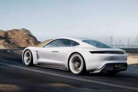 электрический суперкар Porsche Mission E