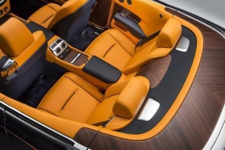 Rolls-Royce Dawn - задние пассажирские места