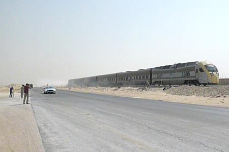 гонка между Бентли и скоростным поездом
