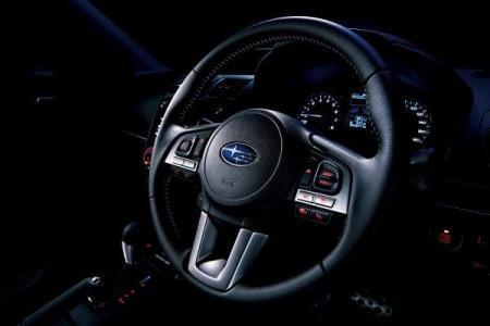 руль обновленного Subaru Forester 2016