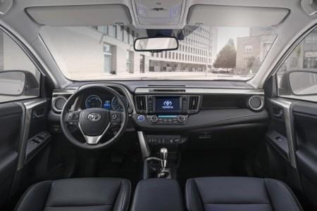 салон Toyota RAV4 2016 модельного года