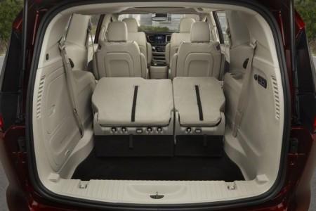 Chrysler Pacifica 2 - багажник