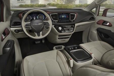 Chrysler Pacifica 2 - салон