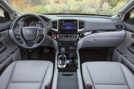 Honda Ridgeline 2 - салон