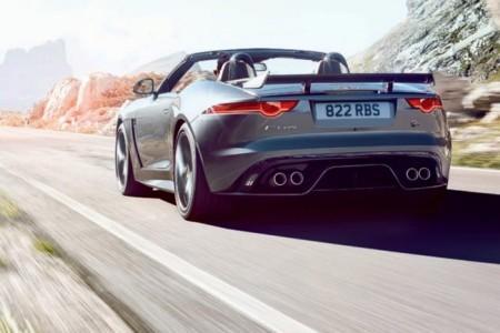 Jaguar F-Type SVR в кузове родстер
