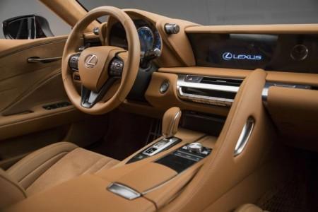 Lexus LC 500 - салон