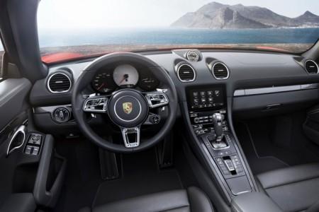 Porsche 718 Boxster - салон