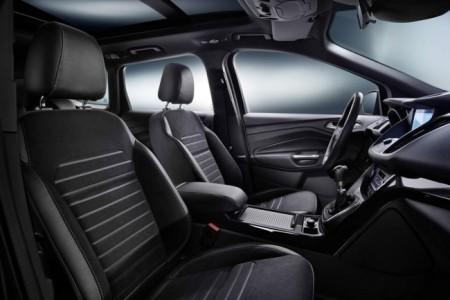 Форд Куга 2016 - интерьер