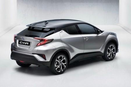 новый паркетник Toyota C-HR