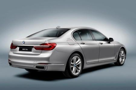 BMW 7 гибрид iPerformance