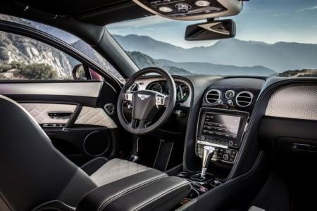 Bentley Flying Spur V8 S - салон