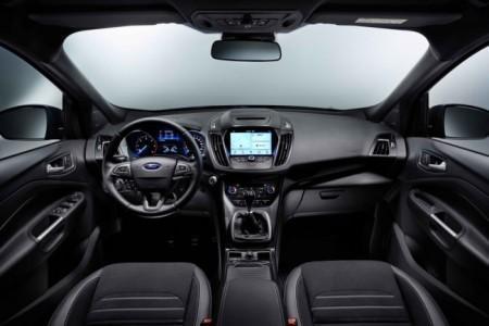 Ford Kuga 2016 - салон